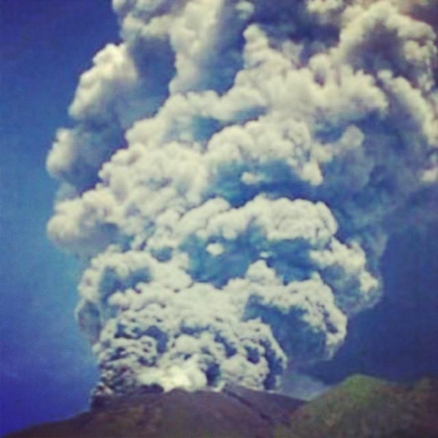 vulcano-Gamalama-indonesia9