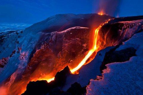 iceland-volcano-tourism-vulcano-eruzione-islanda-01