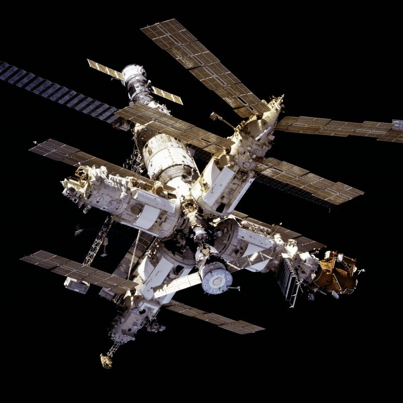 Mir_from_STS-81