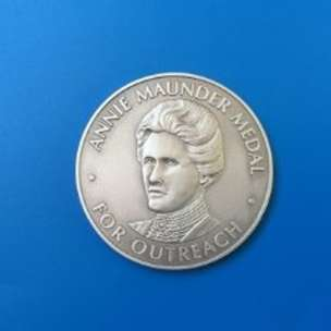 annie_maunder_medal_1