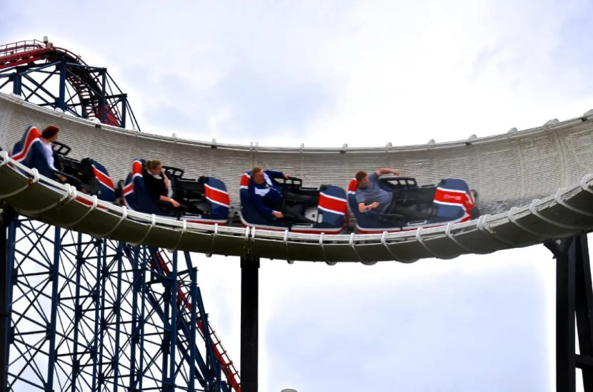 Blackpool Pleasure Beach - Avalanche - Banked Turn