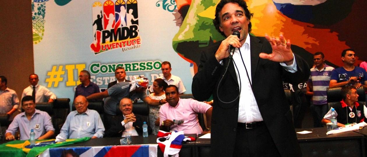 Favorável ao impeachment, Lobão Filho assumirá vaga do pai do Senado