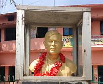statue of dinkar in simaria ,begusarai