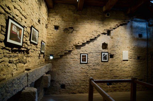 exposition dans la tour au fromage, Cluny