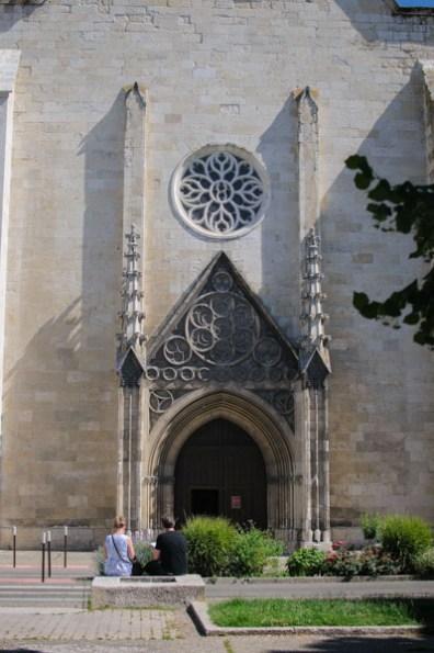 Cathédrale Saint-Caprais d'Agen - dehors. Photo : Michel Dvorak