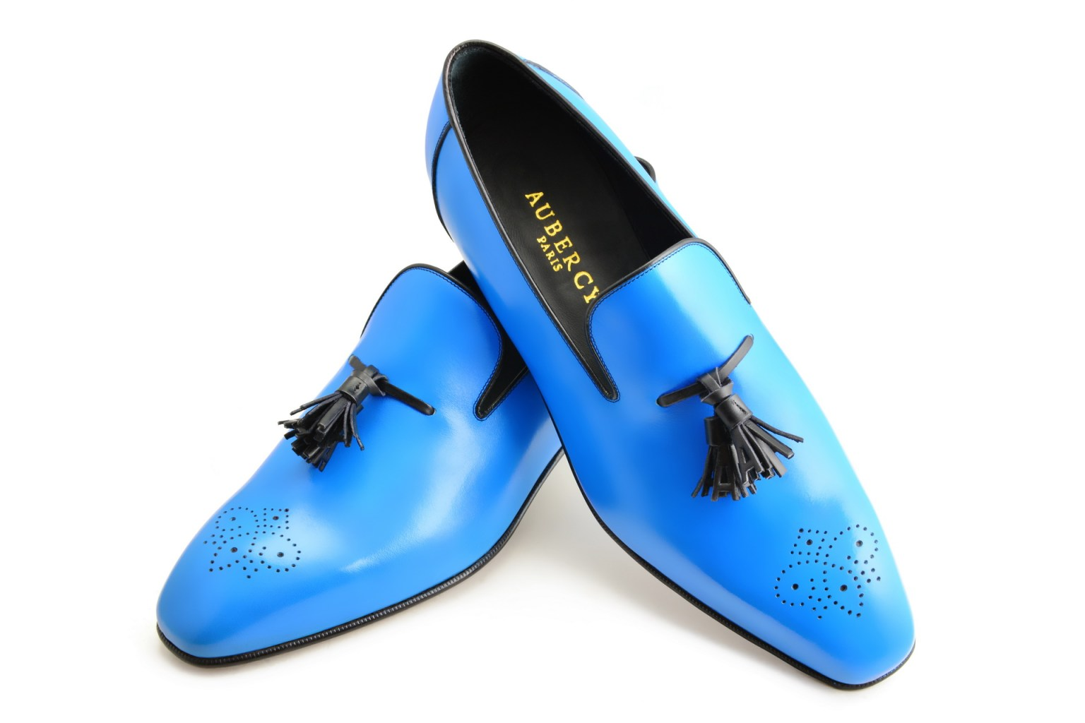 Le mocassin loafer Solal en cuir bleu de France et pompons noirs