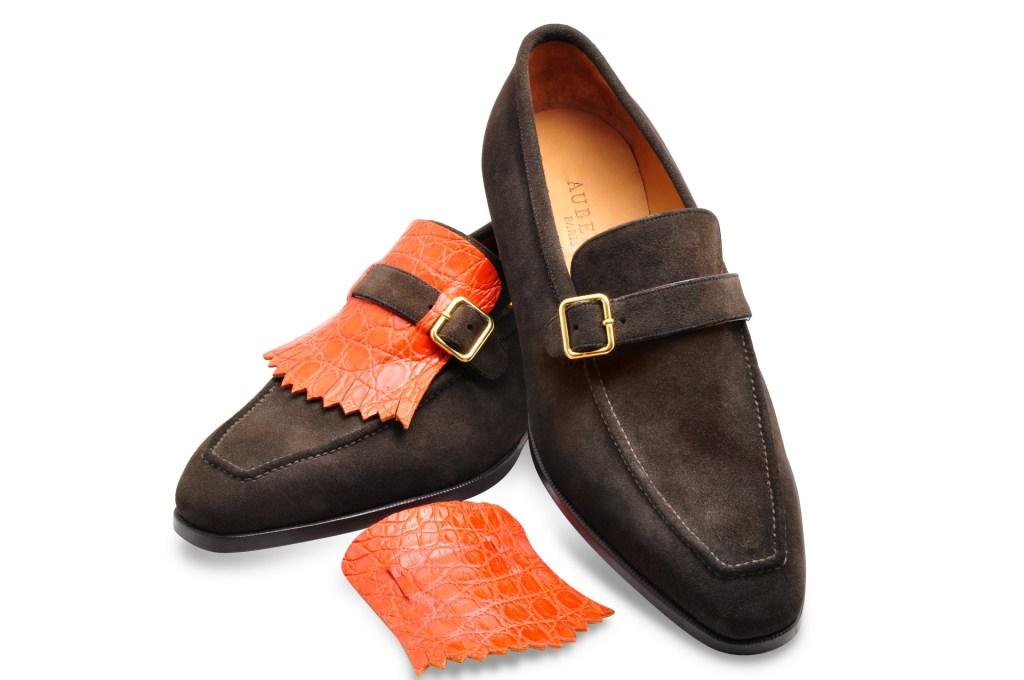 Le mocassin loafer Sixte en daim marron et patte de crocodile