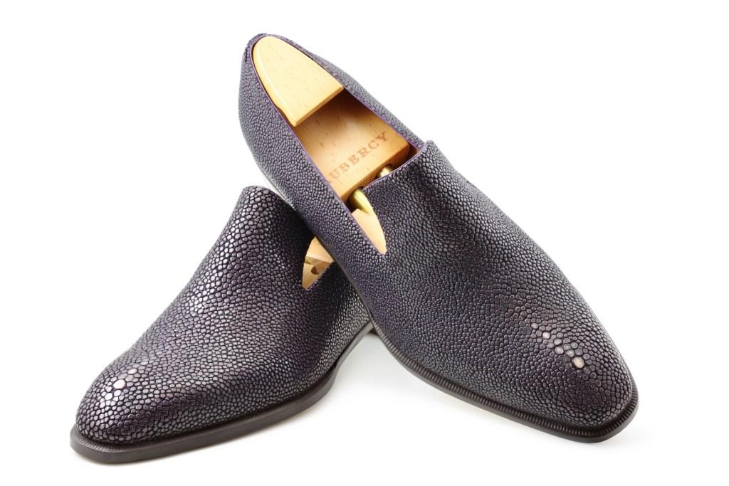Le mocassin loafer Sonio en galuchat mauve