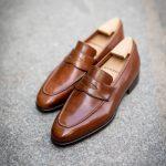 Le mocassin penny loafer barry en cuir marron