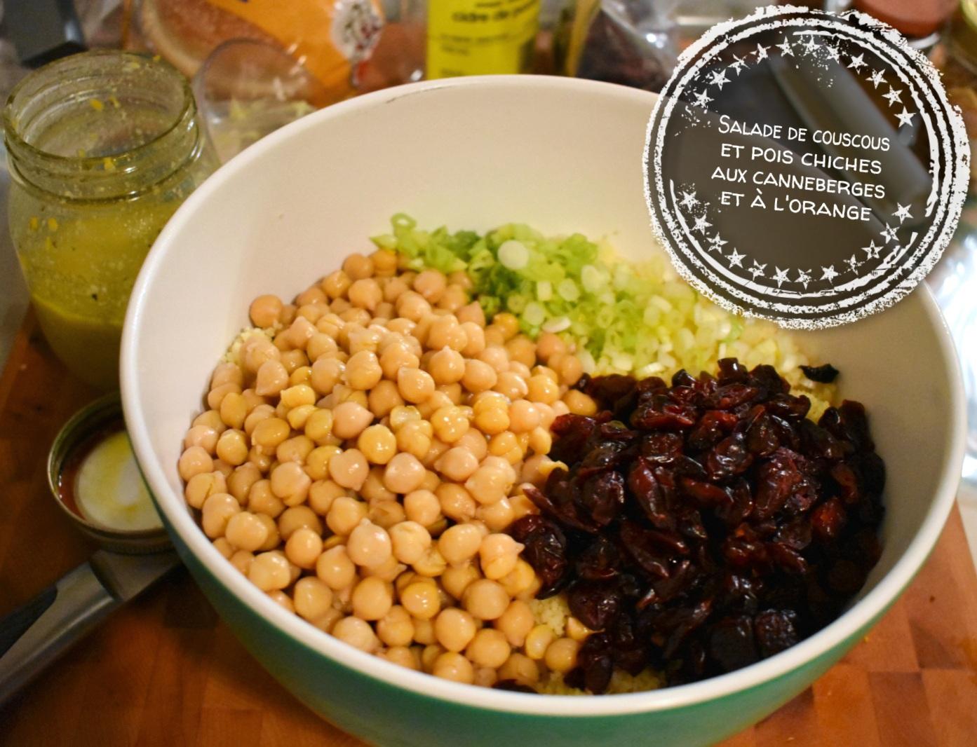 Salade de couscous et pois chiches aux canneberges et à l'orange - Auboutdelalangue.com