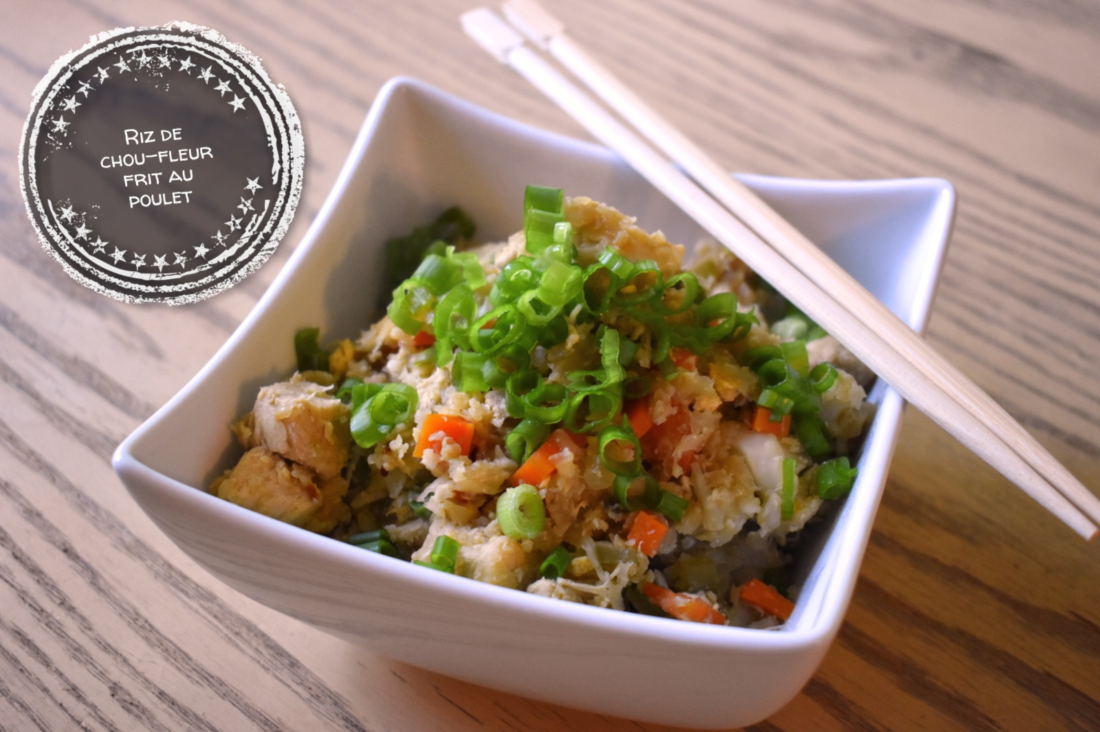Riz de chou-fleur frit au poulet - Auboutdelalangue.com