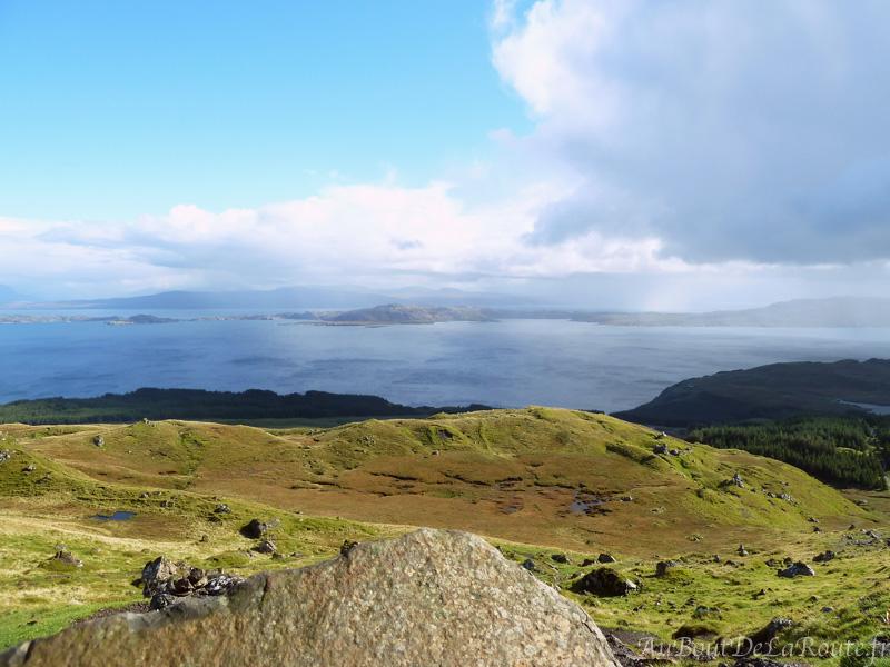 Vue sur les iles Raasay et Rona