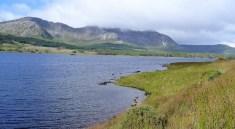Lough Inagh devant les Twelve Bens