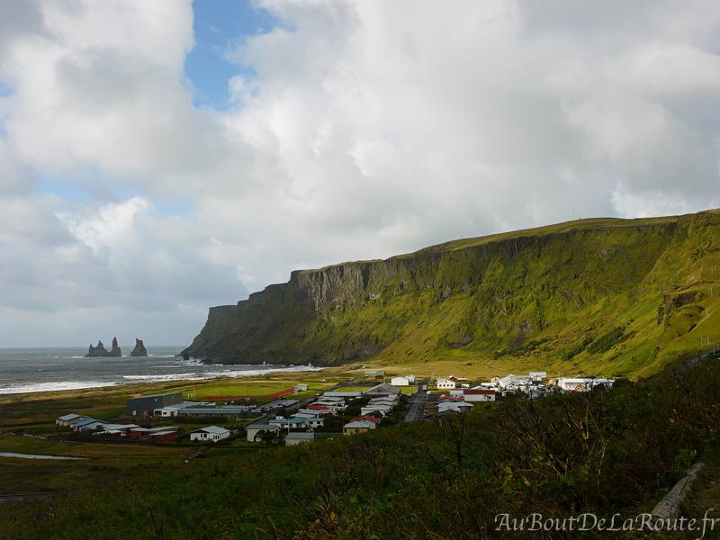 Les falaises de Reynisfjall Reynisdrangar et Vik i Myrdal