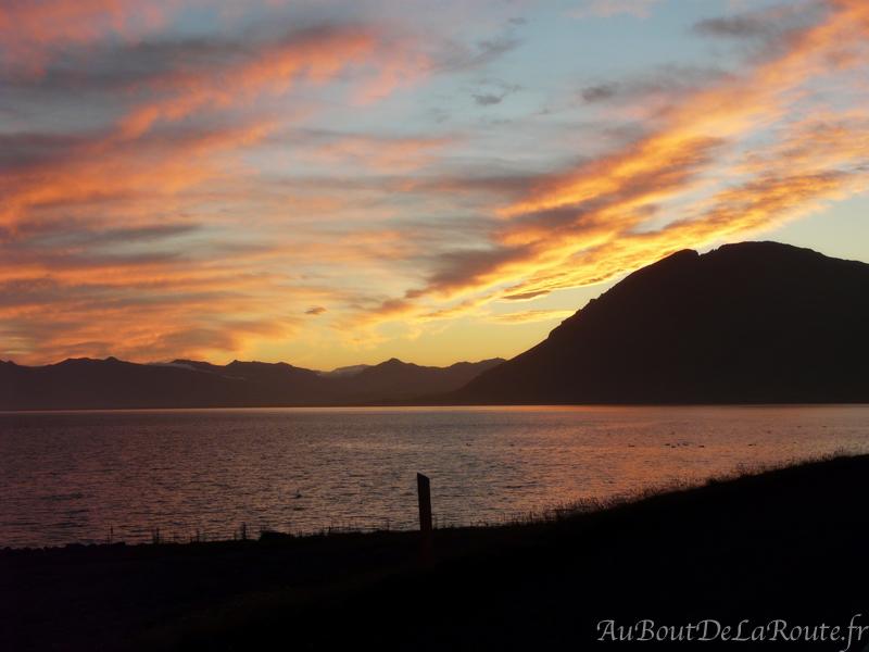 Coucher de soleil sur les fjords de l Est