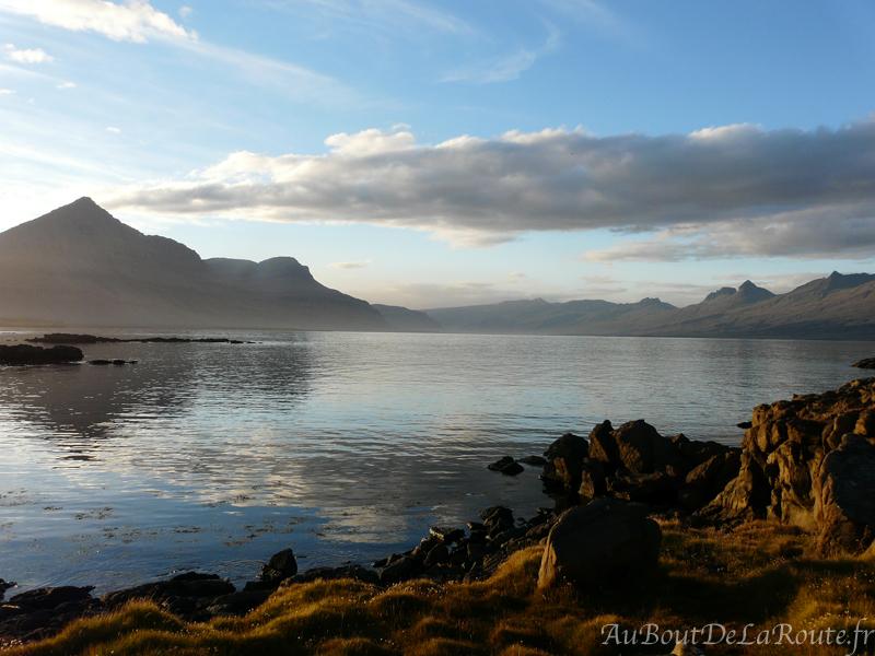 Le mont Búlandstindur de Berufjörður
