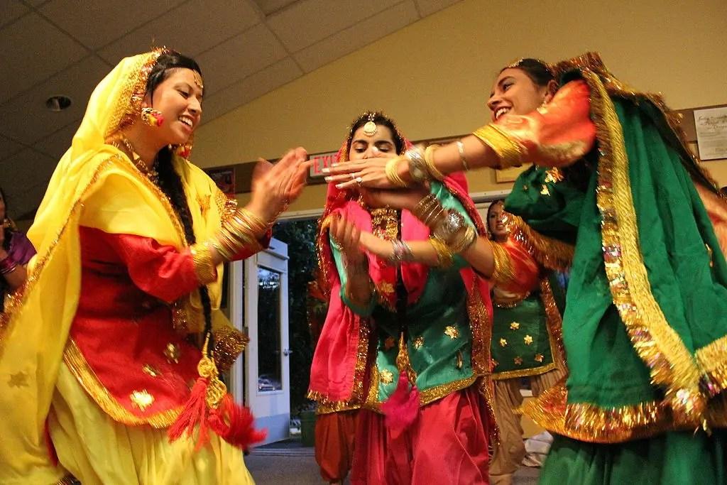 Giddha - Folk Dance of Punjab - Auchitya