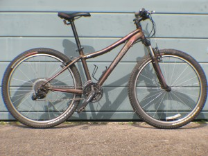 Lot 59 - Specialized Myka Sport Aluminium Ladies Front Suspension MTB - Sold for £90