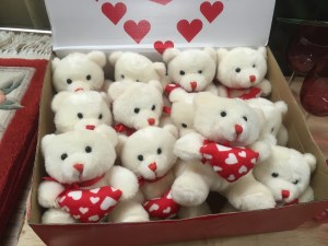 Lot 357 - A box of 20 cartons of 12 Valentine Teddy Bears - Sold for £79