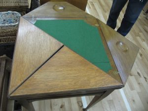 Lot 316 - envelope card table - Sold for £50