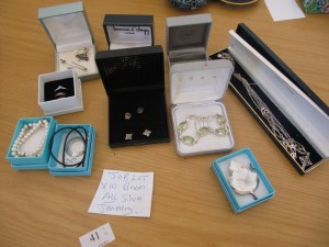 Lot 41 - Silver Jewellery - Sold for £28