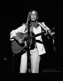 Portrait Joni Mitchell, 1974