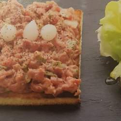 Toasts cannibales (4 personnes)