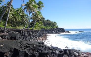 Kehena Black Sand Beach - Big Island