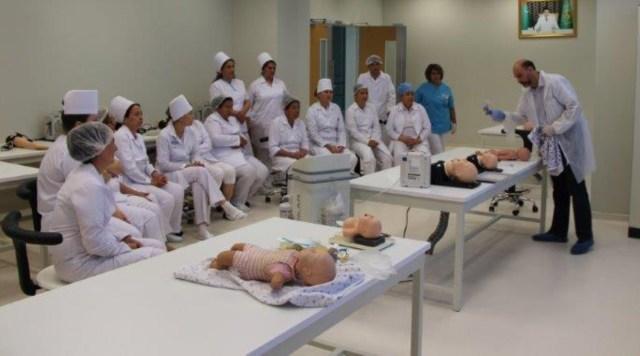 Israelische Experten für Neugeborenenmedizin in Turkmenistan. Foto zVg