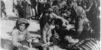 Armenische Flüchtlinge in Syrien 1915. Foto American Committee for Relief in the Near East, Public Domain, Wikimedia Commons.