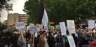Vor wenigen Wochen war Hamid Reza Torabi noch im Auswaertigen Amt eingeladen, am Freitag nahm er wieder am antisemitischen #QudsTag teil. Foto Frederik Schindler