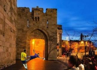 Ein Symbol-Foto des bevorstehenden Elfmeterschiessens am Jaffa-Tor während der Weltmeisterschaft. Foto Facebook