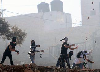 Symbolbild. Steinwerfer bei Ramallah. Foto Issam Rimawi/Flash90