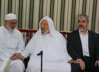 Yusuf al-Qaradawi mit den Hamas-Führern Khaled Mashal und Ismail Haniyeh. Foto Twitter / al-Qaradawi