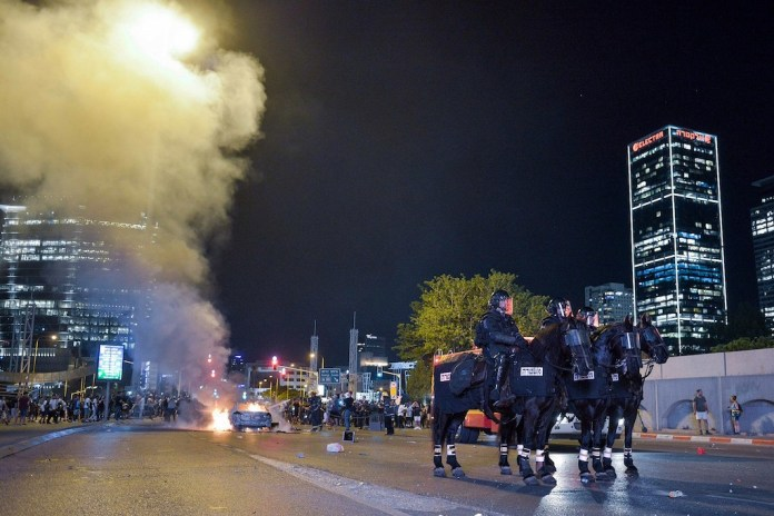Ausschreitungen in Tel Aviv am 2. Juli 2019. Foto Adam Shuldman/Flash90