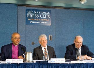 Die Podiumsteilnehmer von links: Bischof Michael Nazir-Ali, Dr. John Eibner, Prof. Habib Malik. Foto © CSI