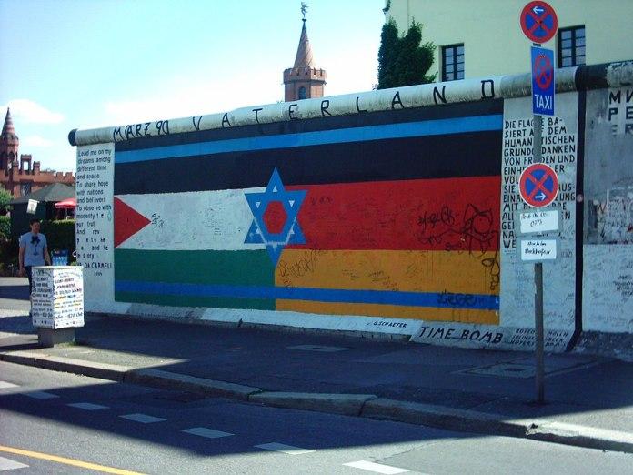 Originalzustand der Flagge. Foto Jensen - German Wikipedia, CC BY-SA 3.0, https://commons.wikimedia.org/w/index.php?curid=463450