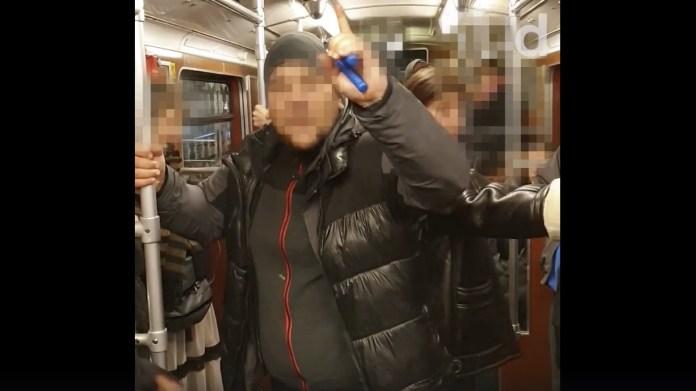 Antisemitischer Vorfall in Berliner U-Bahn. Videoscreenshot Democ. Zentrum Demokratischer Widerspruch