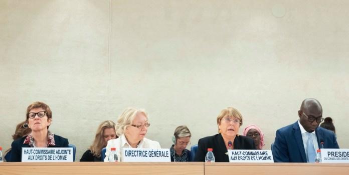 Von links nach rechts: Kate Gilmore, stellvertretende Hochkommissarin für Menschenrechte; Tatiana Valovaya, Generaldirektorin des UNO-Büros in Genf; Frau Bachelet, Hochkommissarin der Vereinten Nationen für Menschenrechte und Coly Seck, Präsident des Menschenrechtsrates. Foto UN Photo/Jean-Marc Ferré