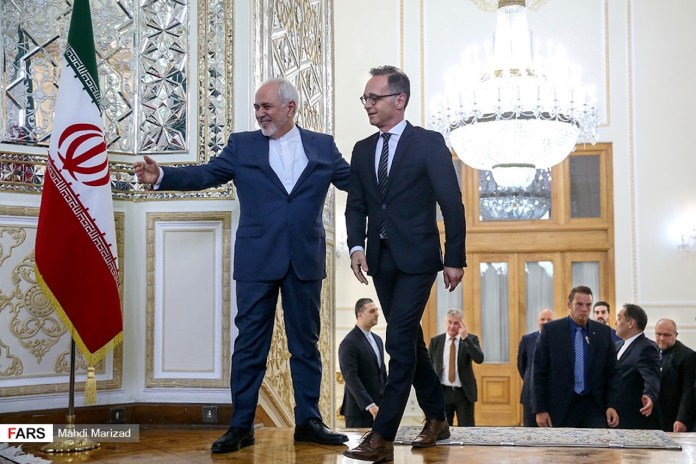 Der iranische Aussenminister Mohammad Javad Zarif und sein deutscher Amtskollege Heiko Maas in Teheran. Foto Fars News Agency, CC BY 4.0, https://commons.wikimedia.org/w/index.php?curid=79672275
