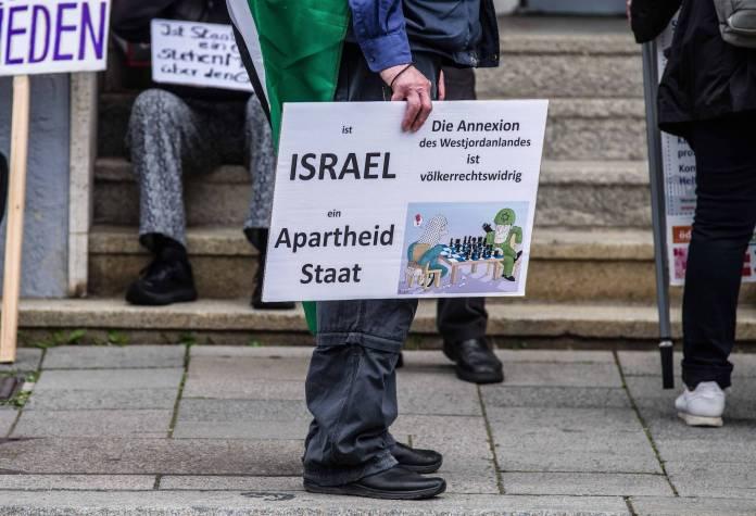 Proteste gegen Israel vor dem israelischen Generalkonsulat in München, Deutschland am 20. Mai 2020. Foto IMAGO / ZUMA Wire