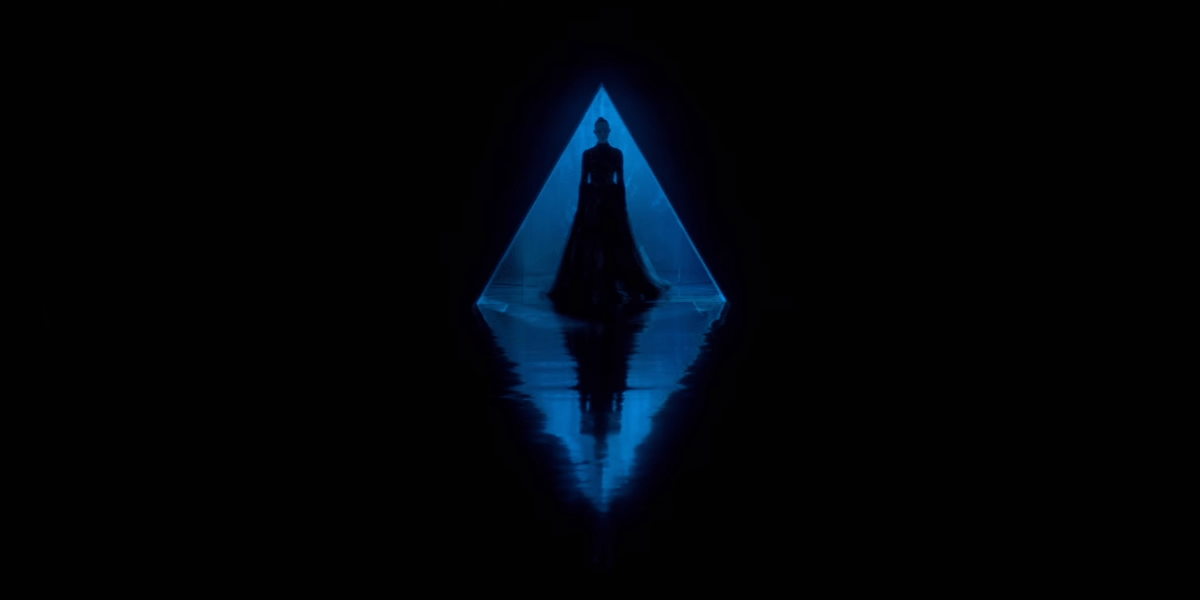 The Neon Demon Haunts Your Eyeballs With an Official Trailer