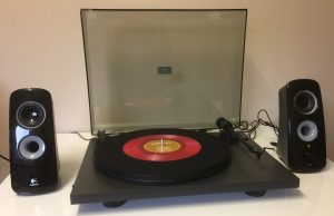 Pro-Ject Primary with Logitech Speakers