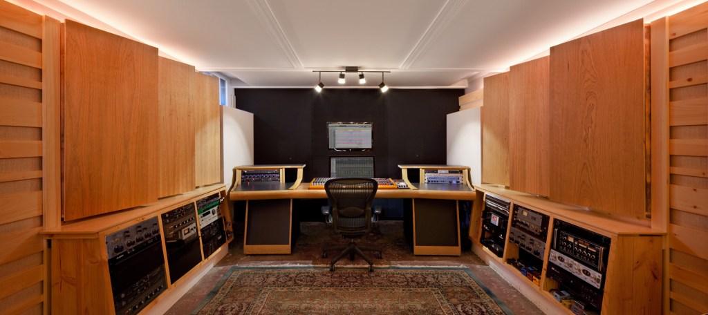 GabeHerman_Studio_01b