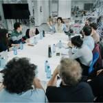 Los responsables de los cinco proyectos de la segunda edición de La Incubadora reciben a televisiones y plataformas digitales