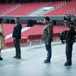 Se graba en el Wanda Metropolitano la segunda temporada de 'Todo por el juego'