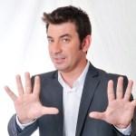 Arturo Valls presentará 'Mask Singer: adivina quién canta' en Antena 3