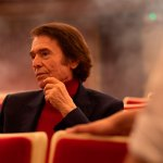 La serie documental 'Raphaelismo' de Movistar+ se presentará en el Festival de San Sebastián