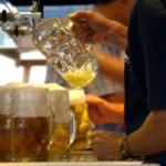 Competencia abre expediente a Canal+ Liga por publicidad indebida de bebidas alcohólicas
