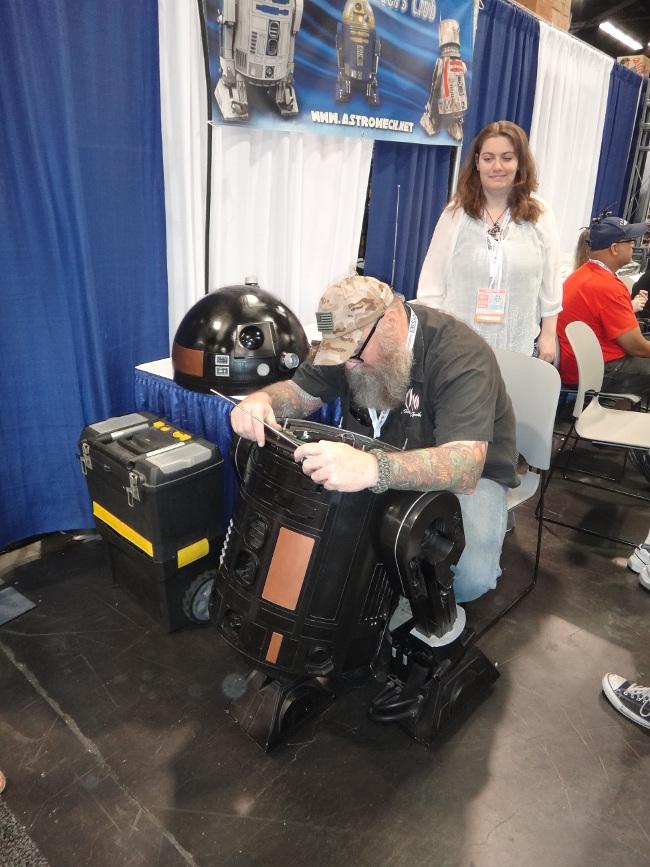 Raimundo Hollywood fabricante robot 2015